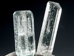 Hexagonal crystals of beryl